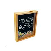 Quadro porta tampinhas de madeira Um brinde 27x22 cm