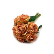 Buque de rosas ferrugem com botão 26 cm