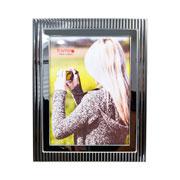 Porta retrato de metal decorado 15x20 cm