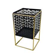 Castiçal de metal preto/ dourado com suporte quadrado 22 cm