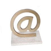 Escultura mármore e metal arroba ouro velho 17 cm
