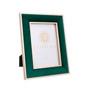 Porta retrato em MDF borda de veludo verde 13x18 cm