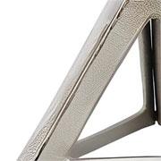 Escultura em alumínio triângulo prata 16x13 cm