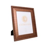 Porta retrato em MDF borda bronze 20x25 cm