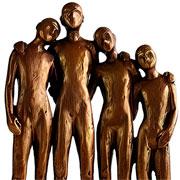 Escultura em resina família bronze 28 cm