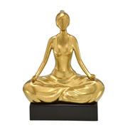 Enfeite de cerâmica mulher ioga dourado fosco 25 cm